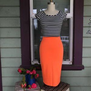 Dresses & Skirts - Neon sexy body-con skirt